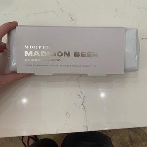 NWT Madison Beer Makeup brush set
